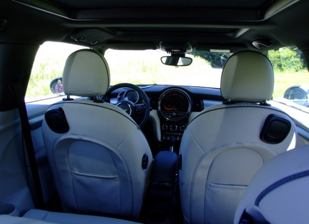 Nuova Mini Cooper S prova su strada, prestazioni e prezzi - Foto 29 di 32