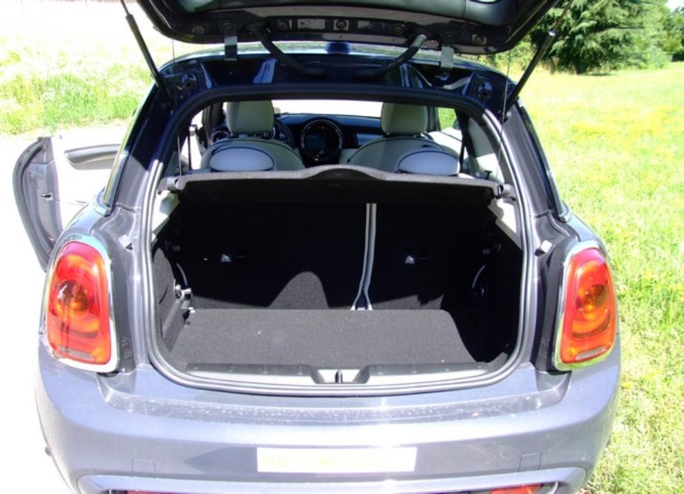 Nuova Mini Cooper S prova su strada, prestazioni e prezzi - Foto 31 di 32