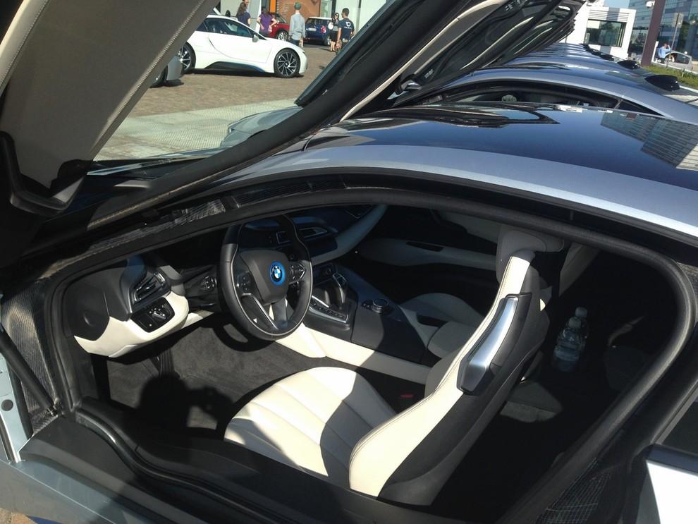 BMW i8 provata su strada a Milano la sportiva ibrida plug-in di BMW - Foto 9 di 12