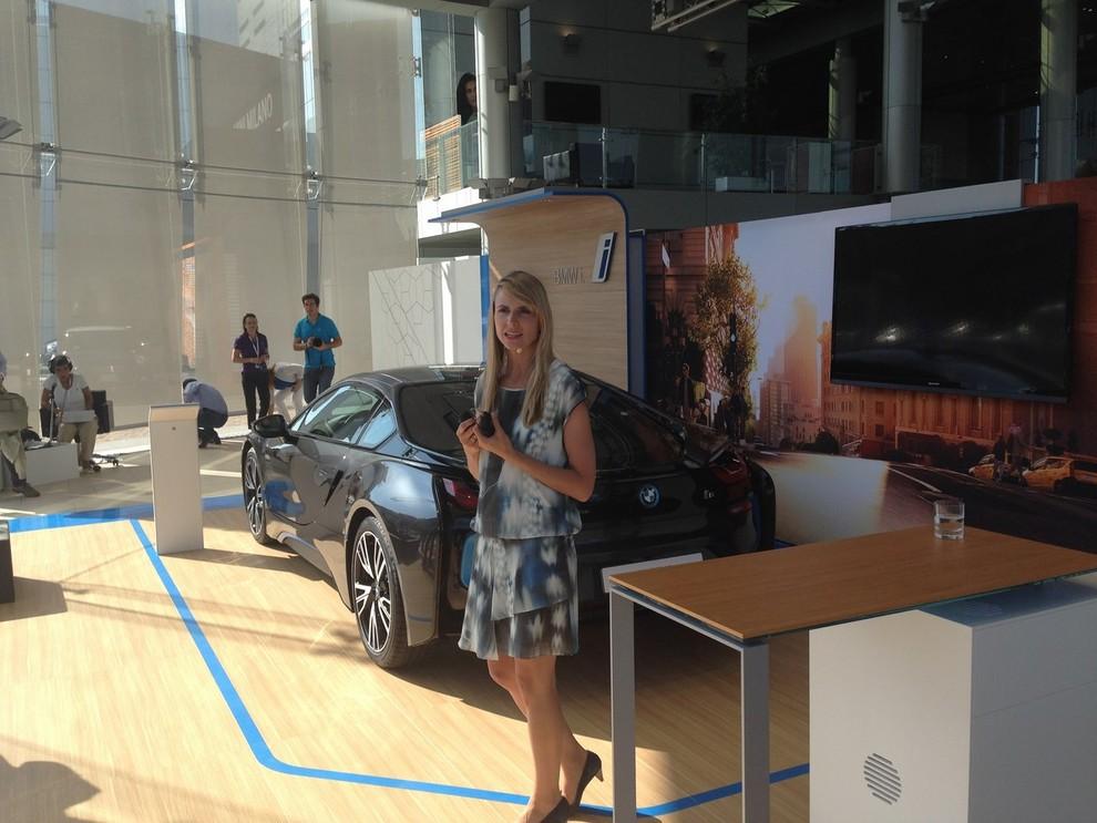 BMW i8 provata su strada a Milano la sportiva ibrida plug-in di BMW - Foto 7 di 12