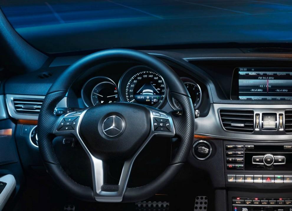Nuova Mercedes Classe E BlueTEC HYBRID mobilità ad emissioni zero - Foto 4 di 5