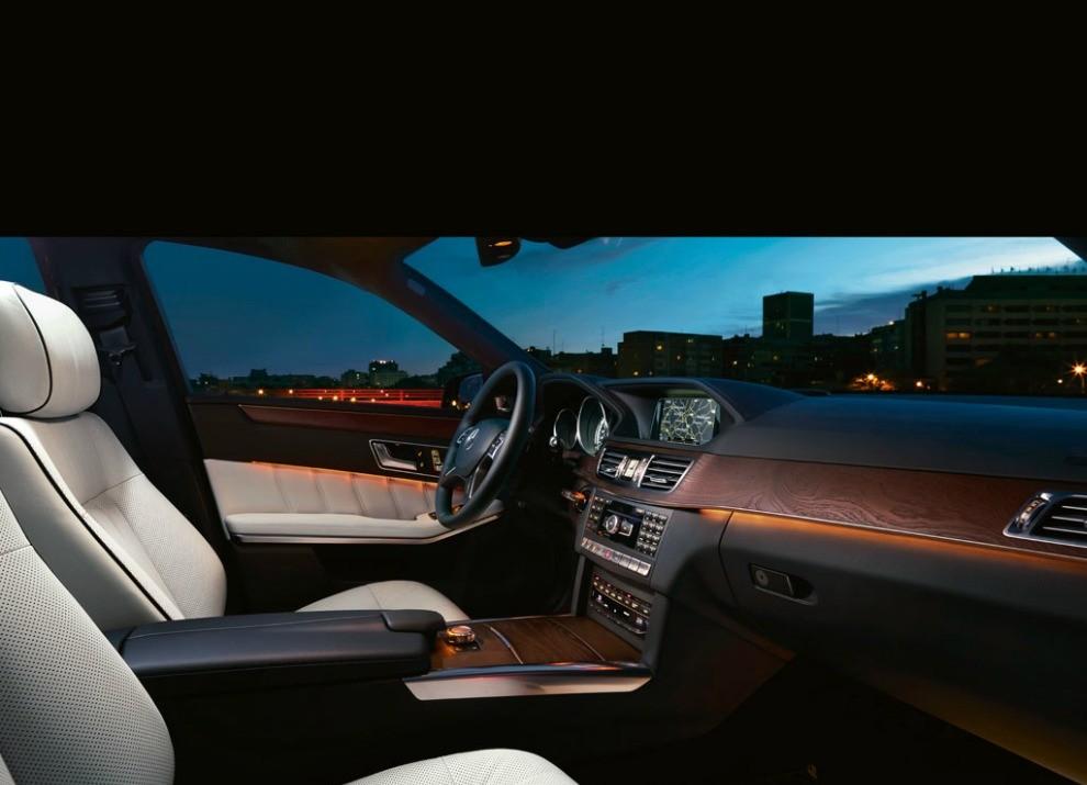 Nuova Mercedes Classe E BlueTEC HYBRID mobilità ad emissioni zero - Foto 3 di 5