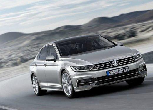 Volkswagen Passat ordinabile al prezzo base di 28.200 euro