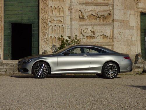 Nuova Mercedes Classe S Coupè provata su strada a Roma