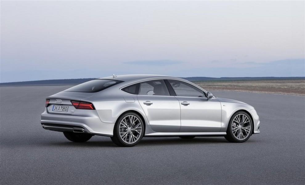 Nuova Audi A7 Sportback prezzi, gamma motori ed equipaggiamenti - Foto 4 di 12
