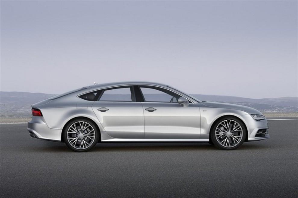 Nuova Audi A7 Sportback prezzi, gamma motori ed equipaggiamenti - Foto 5 di 12