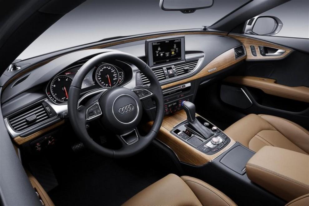 Nuova Audi A7 Sportback prezzi, gamma motori ed equipaggiamenti - Foto 9 di 12