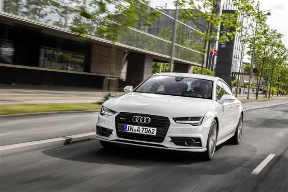 Nuova Audi A7 Sportback prezzi, gamma motori ed equipaggiamenti - Foto 10 di 12