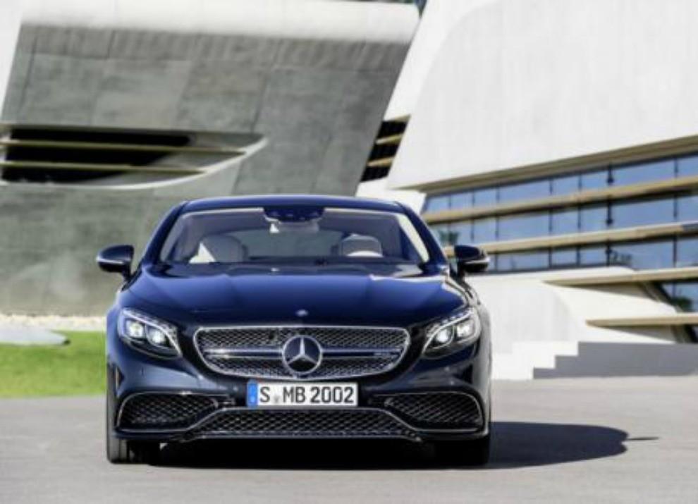 Mercedes Classe S 65 AMG Coupé con motore V12 da 630 CV - Foto 6 di 19