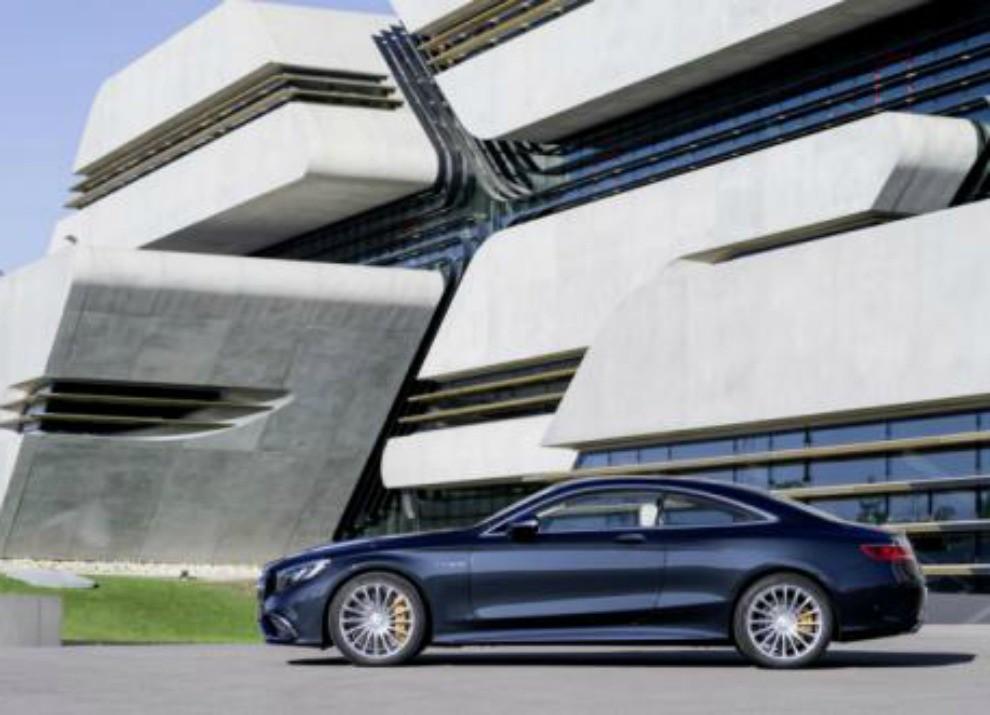 Mercedes Classe S 65 AMG Coupé con motore V12 da 630 CV - Foto 9 di 19