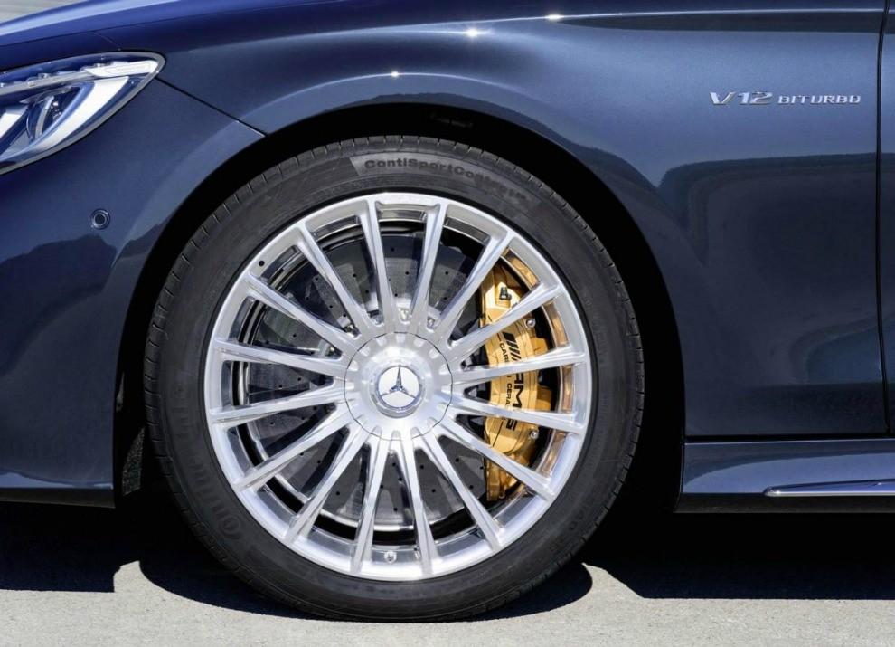 Mercedes Classe S 65 AMG Coupé con motore V12 da 630 CV - Foto 2 di 19