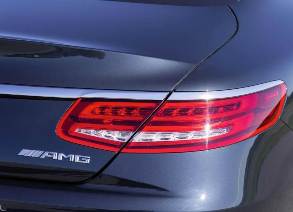 Mercedes Classe S 65 AMG Coupé con motore V12 da 630 CV - Foto 3 di 19