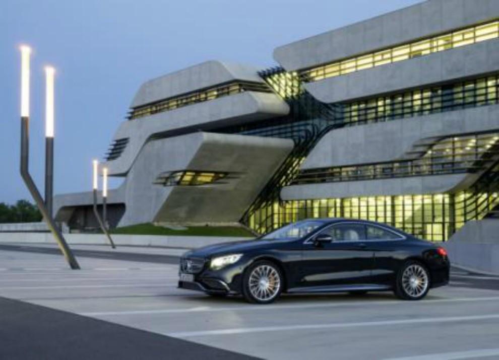 Mercedes Classe S 65 AMG Coupé con motore V12 da 630 CV - Foto 19 di 19