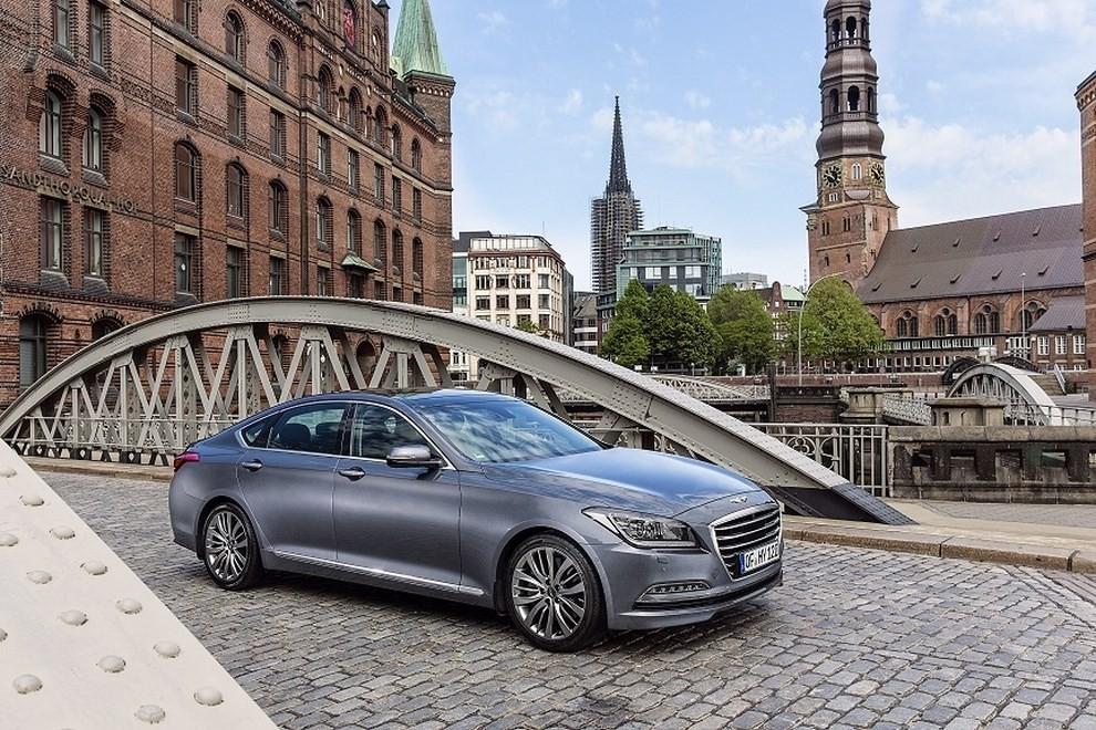 Hyundai Genesis: motorizzazioni, prezzi ed allestimenti - Foto 5 di 5