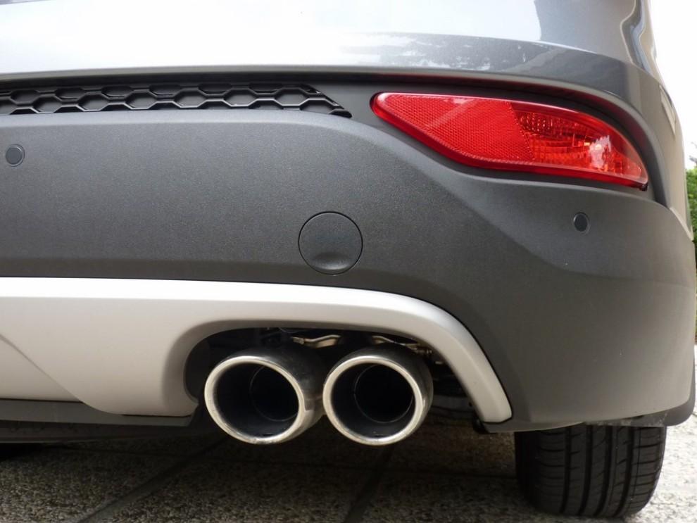 Hyundai Santa Fe 2.2 CRDi provata su strada - Foto 10 di 16