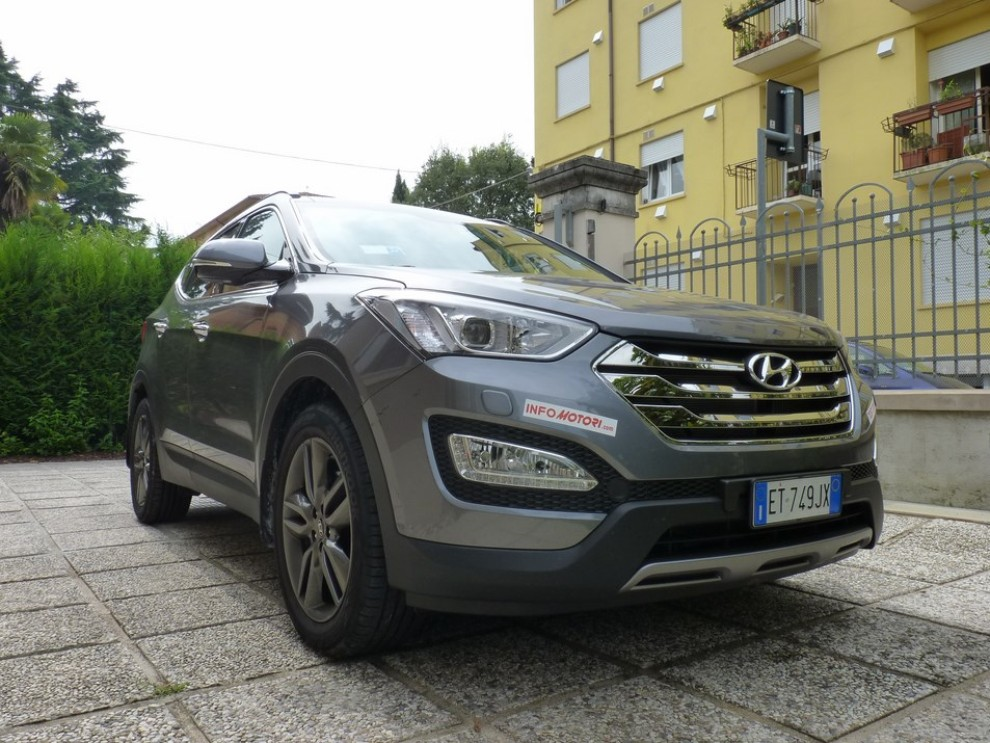 Hyundai Santa Fe 2.2 CRDi provata su strada - Foto 1 di 16