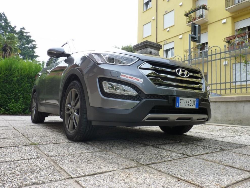 Hyundai Santa Fe 2.2 CRDi provata su strada - Foto 4 di 16