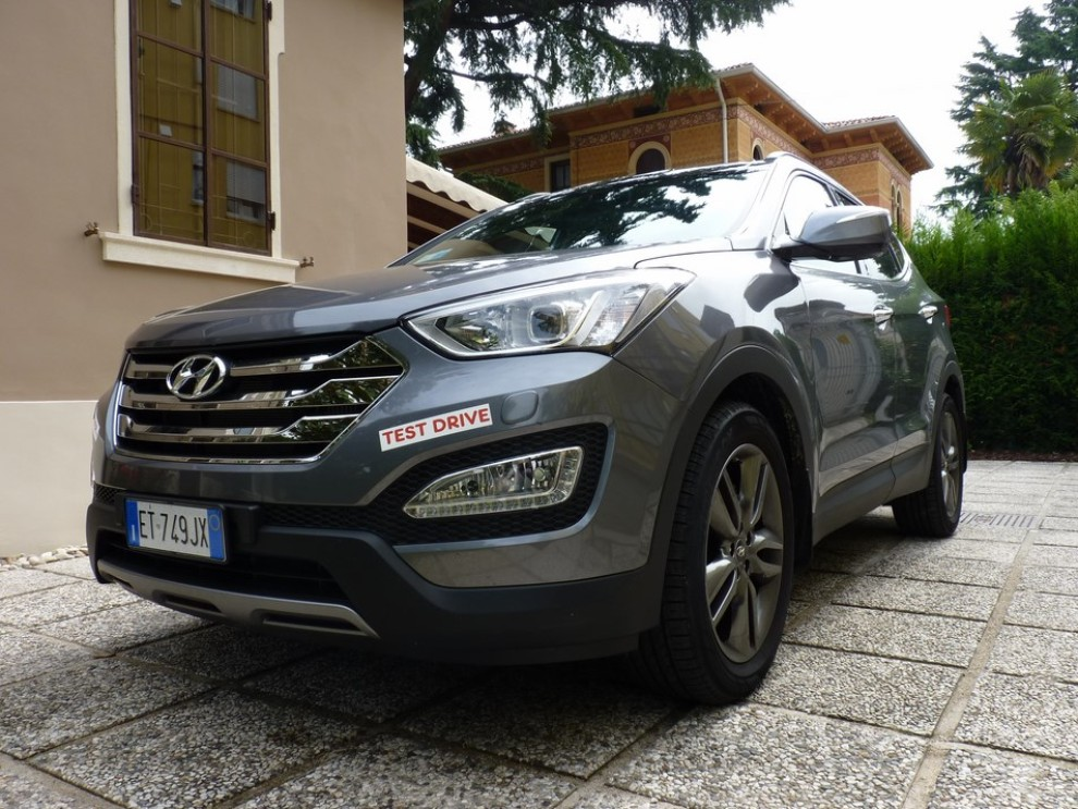 Hyundai Santa Fe 2.2 CRDi provata su strada - Foto 3 di 16