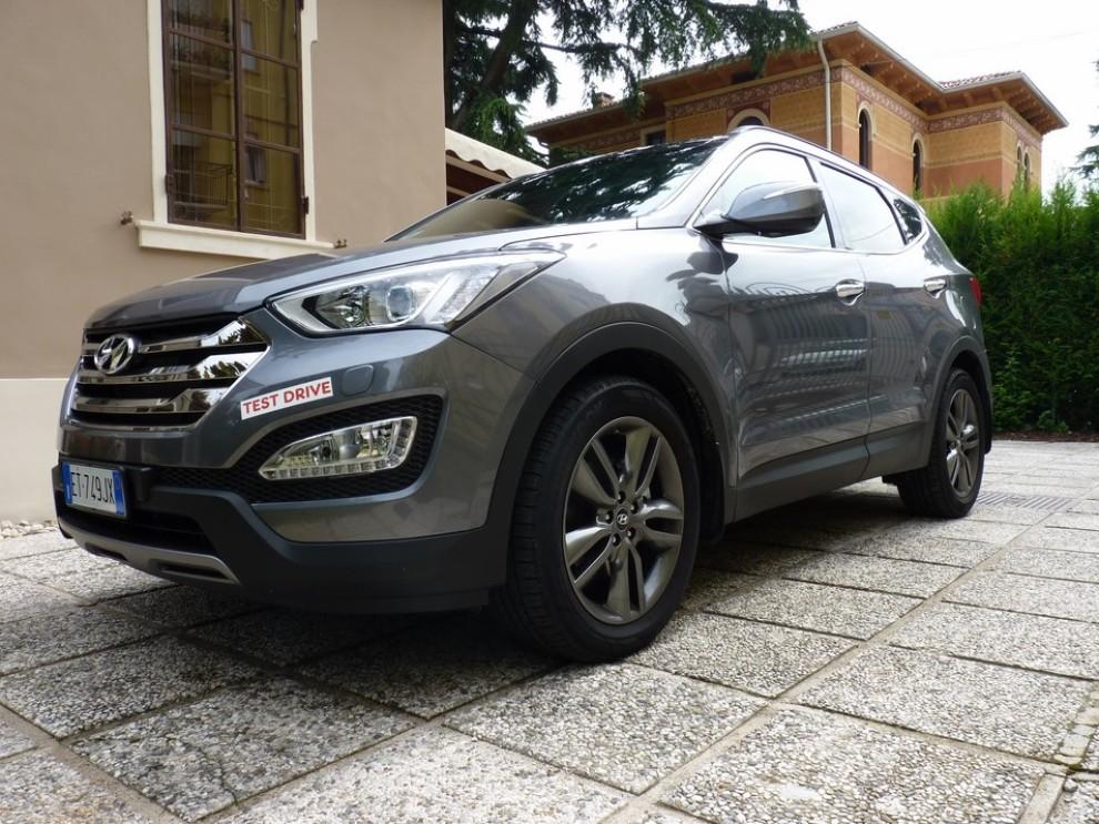 Hyundai Santa Fe 2.2 CRDi provata su strada - Foto 5 di 16