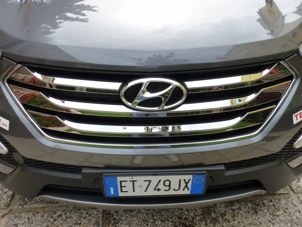 Hyundai Santa Fe 2.2 CRDi provata su strada - Foto 7 di 16