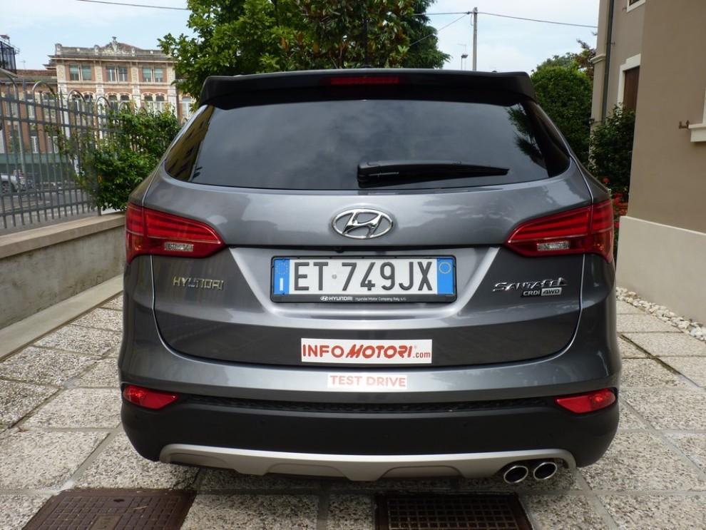 Hyundai Santa Fe 2.2 CRDi provata su strada - Foto 9 di 16