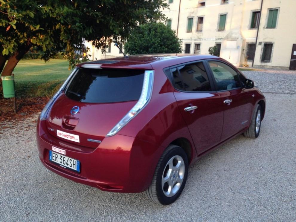 Nissan Leaf, prova su strada dell'elettrica full zero emission - Foto 5 di 14