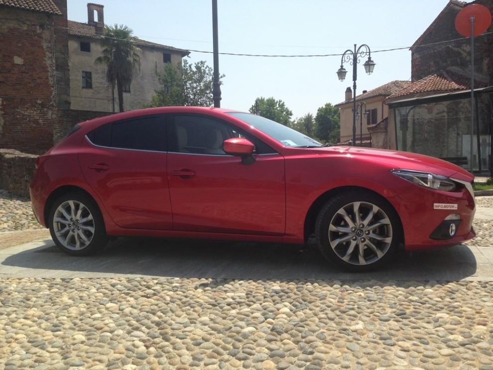Mazda3 2.2 150 CV provata su strada - Foto 3 di 15