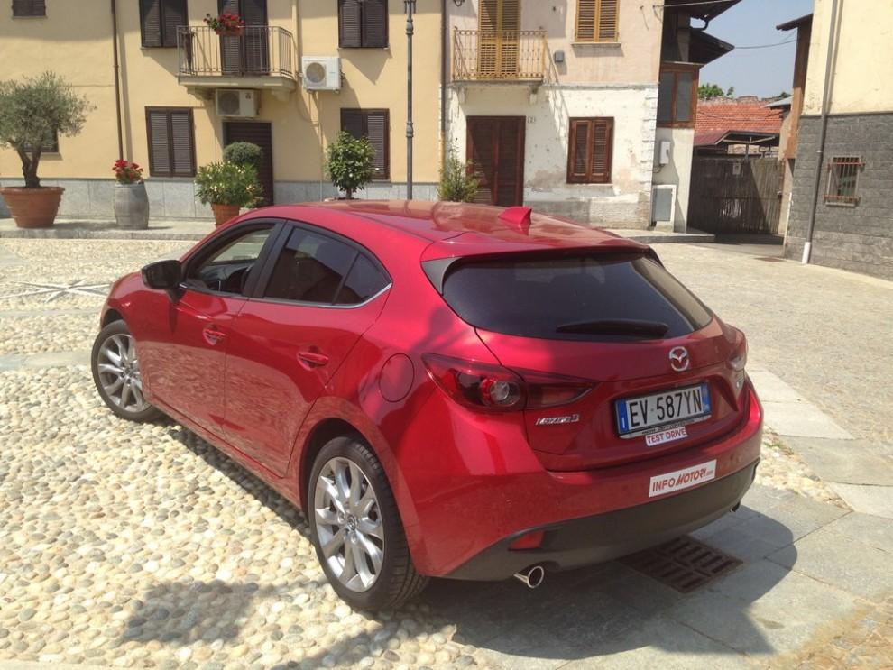 Mazda3 2.2 150 CV provata su strada - Foto 8 di 15