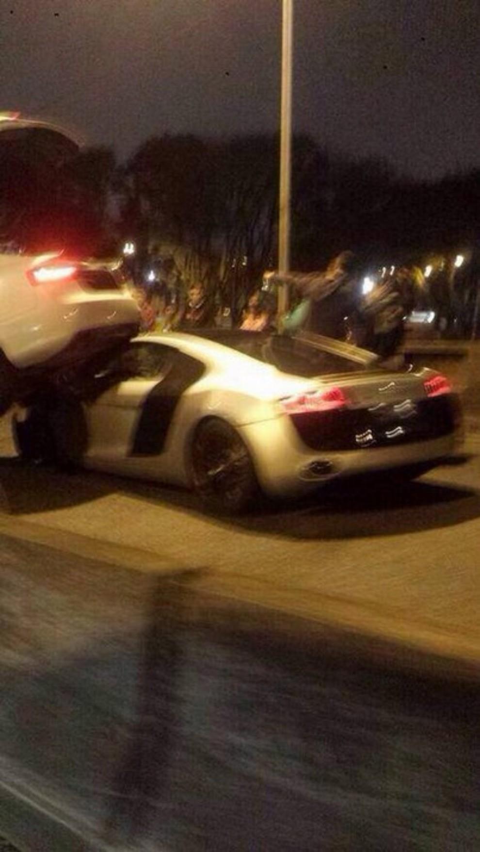 Audi R8 tampona violentemente una Audi A5 Sportback - Foto 3 di 4