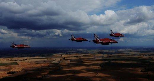 Nuova Jaguar XE a caccia con…. i Tornado