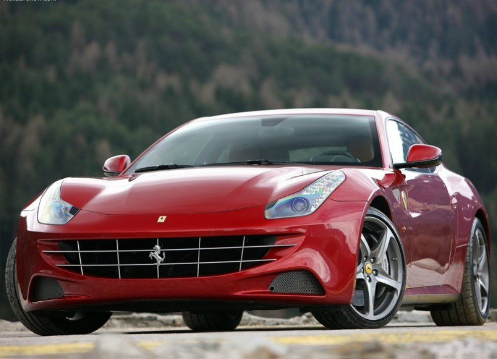 Ferrari con Apple, la prima FF con CarPlay è italiana - Foto 3 di 6