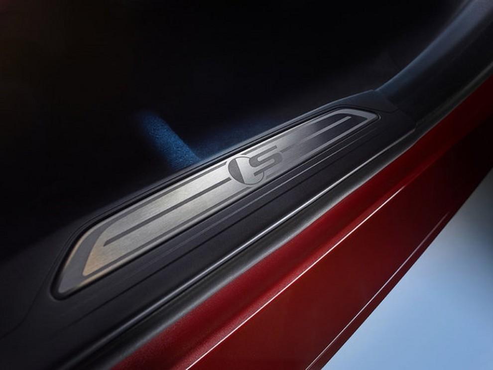 Jaguar XE, nuova gamma di accessori e grande personalizzazione - Foto 14 di 23