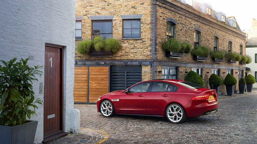 Jaguar XE, nuova gamma di accessori e grande personalizzazione - Foto 4 di 23