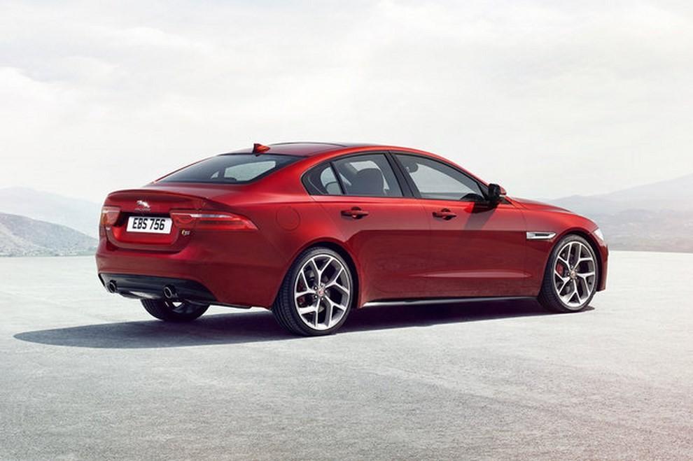 Jaguar XE, nuova gamma di accessori e grande personalizzazione - Foto 7 di 23