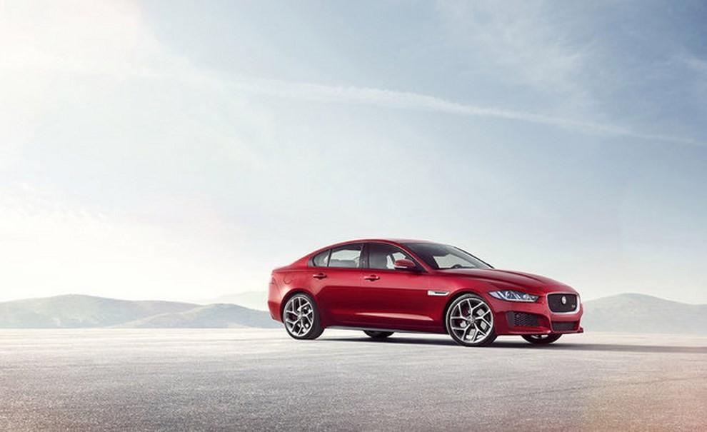 Jaguar XE, nuova gamma di accessori e grande personalizzazione - Foto 8 di 23