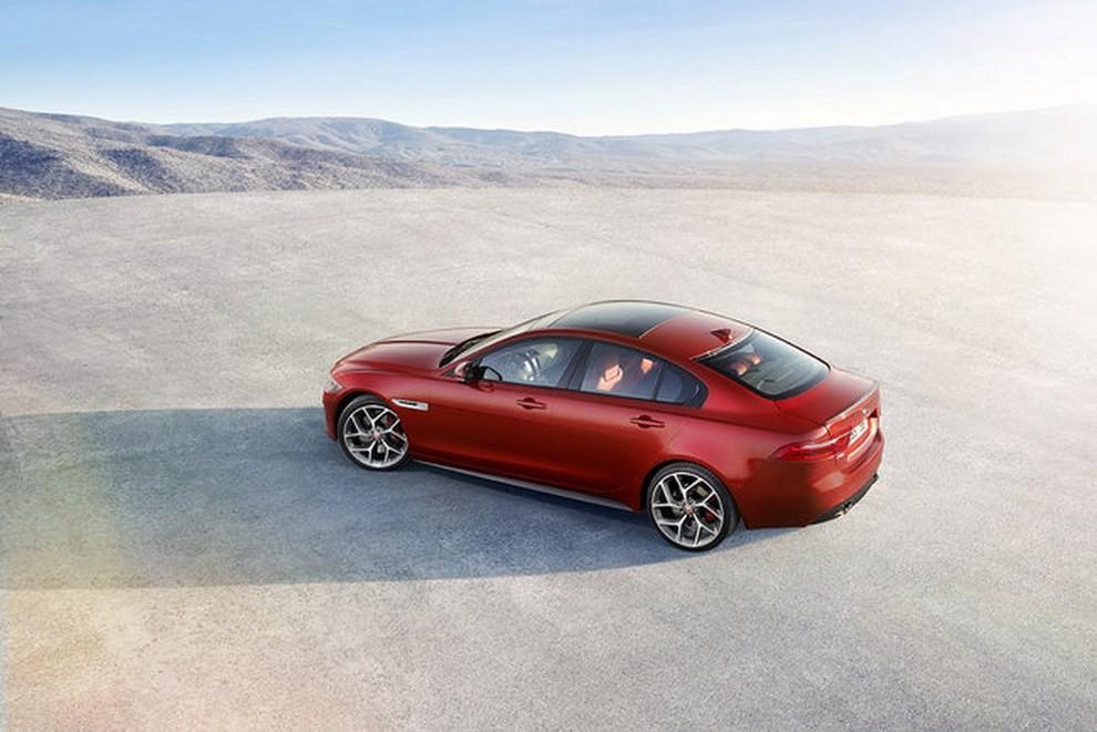 Jaguar XE, nuova gamma di accessori e grande personalizzazione - Foto 9 di 23