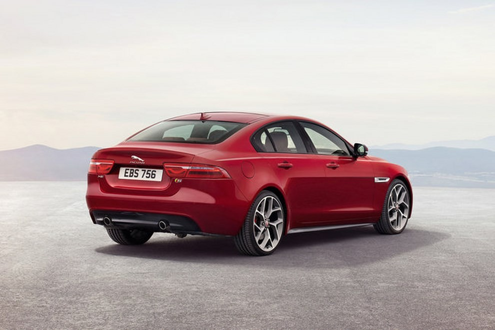 Jaguar XE, nuova gamma di accessori e grande personalizzazione - Foto 10 di 23
