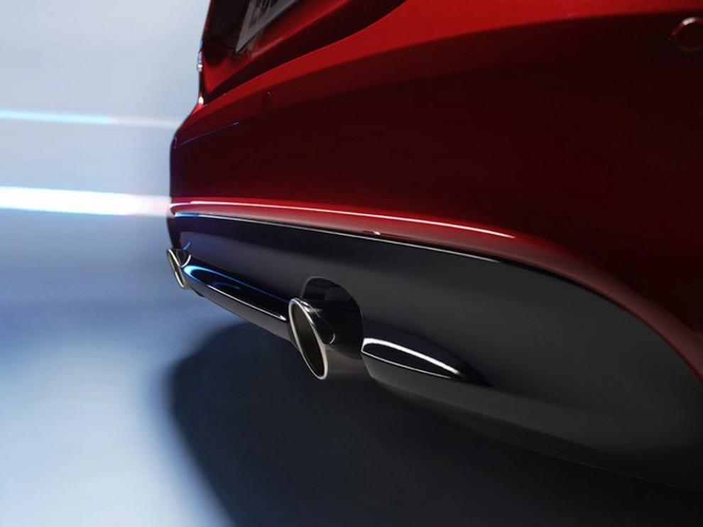 Jaguar XE, nuova gamma di accessori e grande personalizzazione - Foto 12 di 23