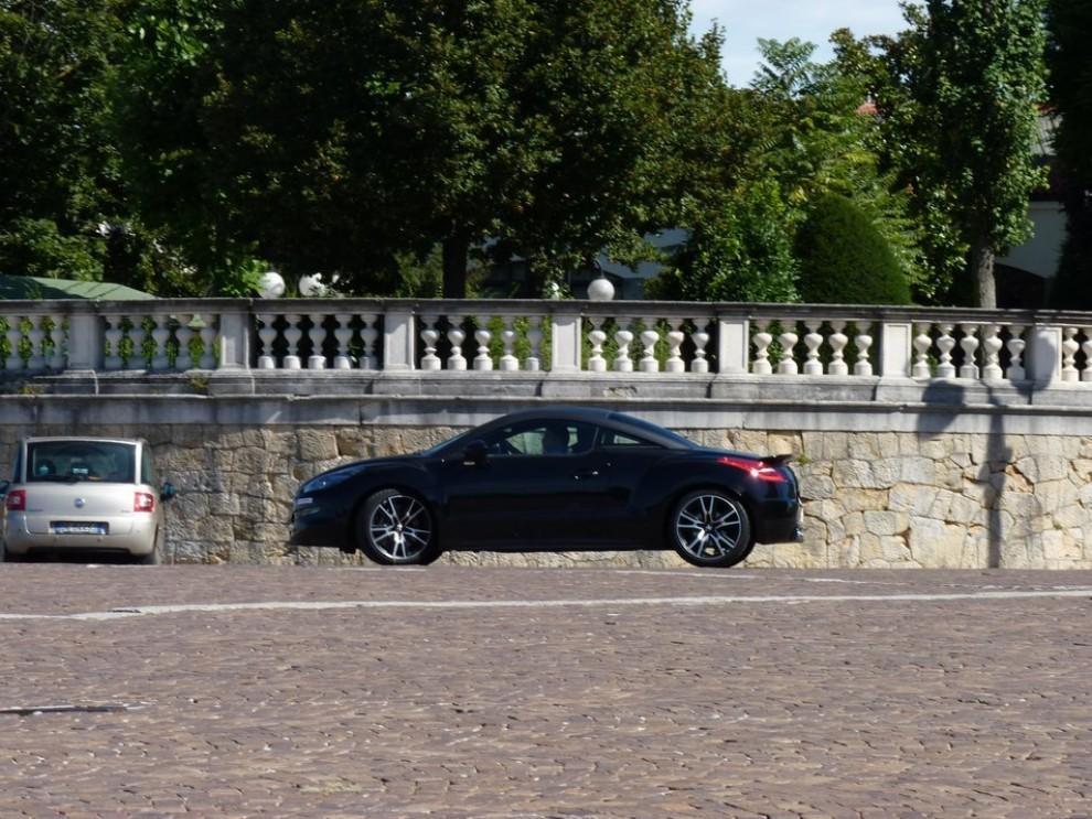 Peugeot RCZ R provata su strada la sportiva da 270 CV - Foto 15 di 22