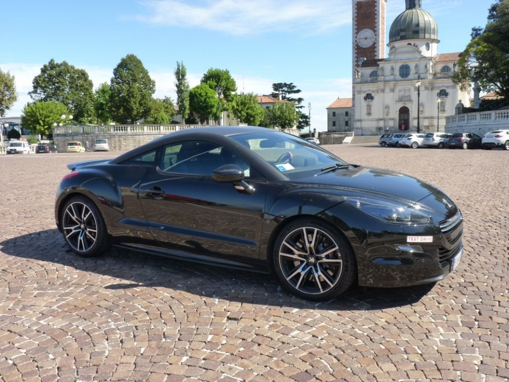 peugeot rcz r provata su strada la sportiva da 270 cv. Black Bedroom Furniture Sets. Home Design Ideas
