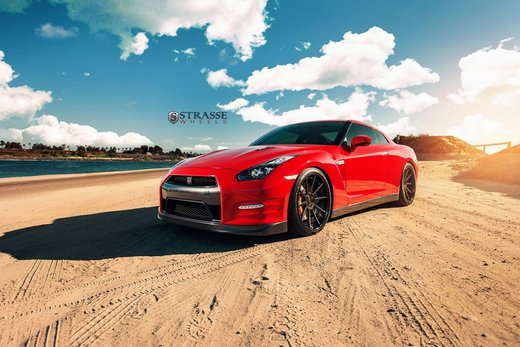 Nissan GT-R Alpha 7 con kit AMS Performance