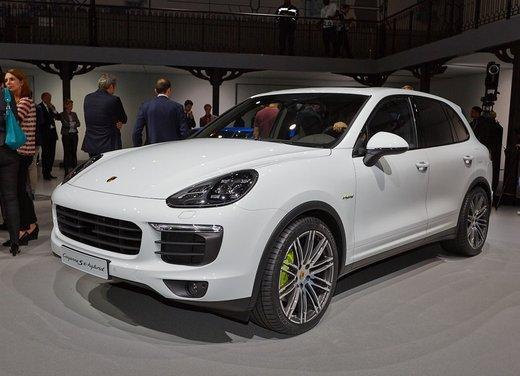 Porsche Cayenne S E-Hybrid la prima vettura ibrida nel segmento dei SUV premium