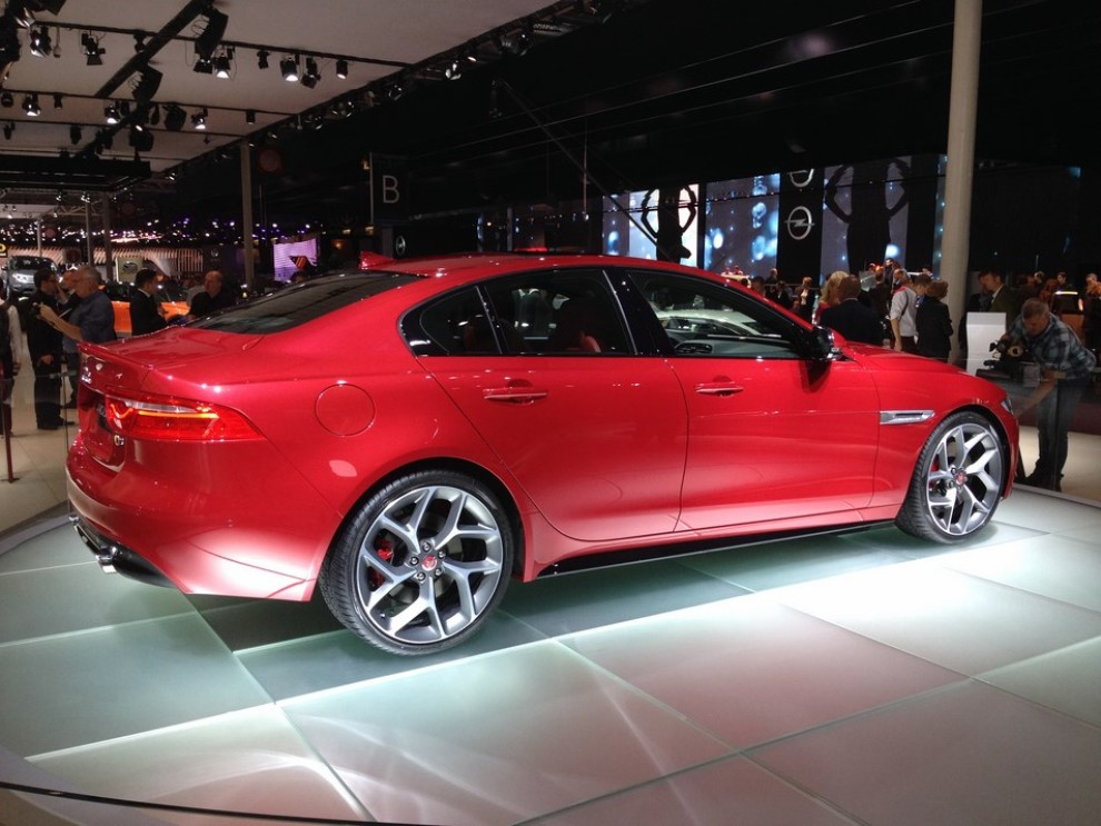 Jaguar XE: la gamma completa con tutti i prezzi - Foto 2 di 23