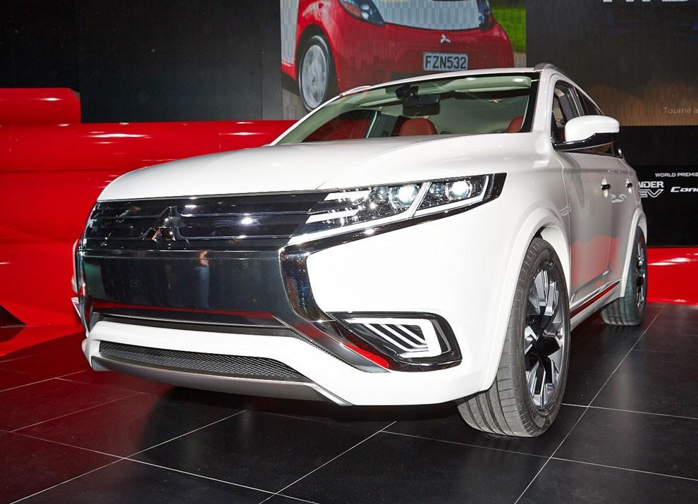 Mitsubishi Outlander: le informazioni sulla gamma ed i prezzi - Foto 10 di 10