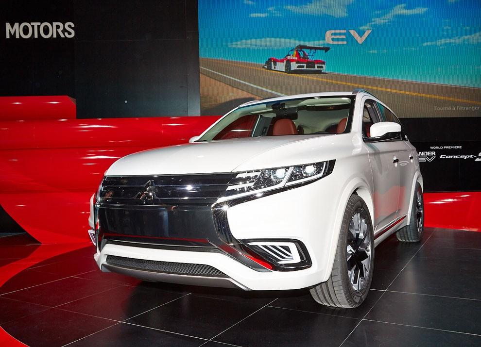 Mitsubishi Outlander: le informazioni sulla gamma ed i prezzi - Foto 1 di 10