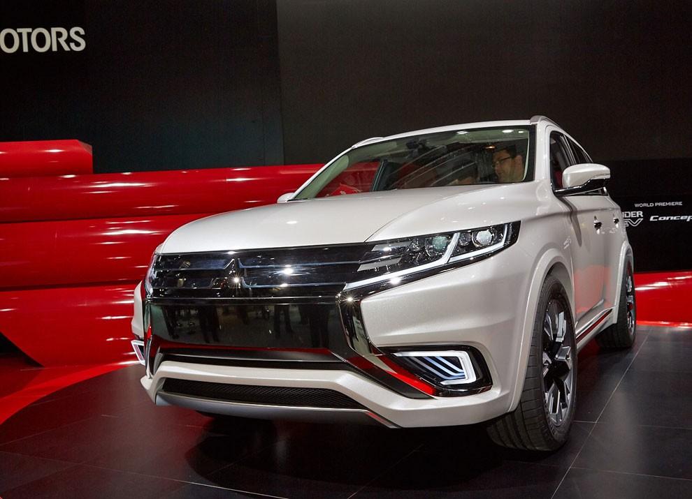 Mitsubishi Outlander: le informazioni sulla gamma ed i prezzi - Foto 6 di 10
