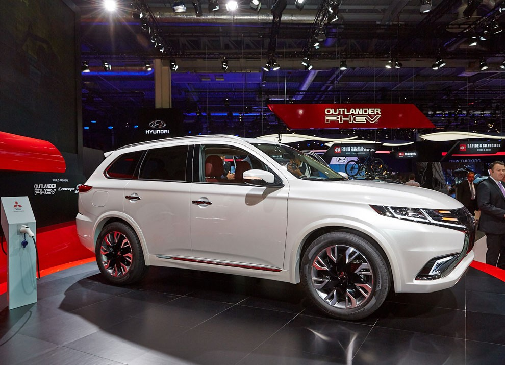 Mitsubishi Outlander: le informazioni sulla gamma ed i prezzi - Foto 8 di 10
