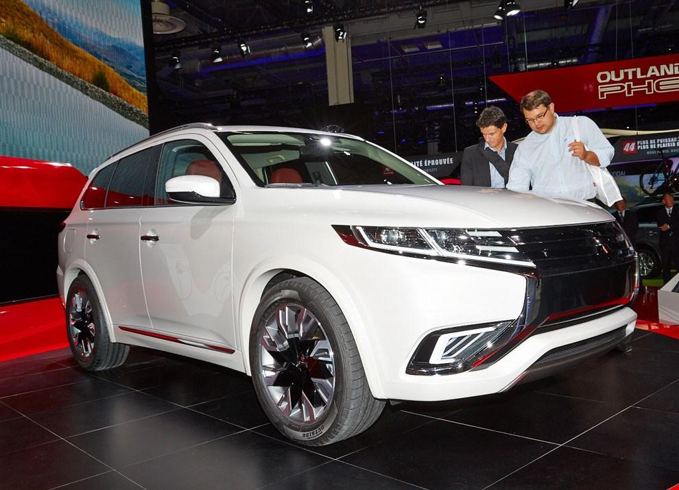 Mitsubishi Outlander: le informazioni sulla gamma ed i prezzi - Foto 9 di 10