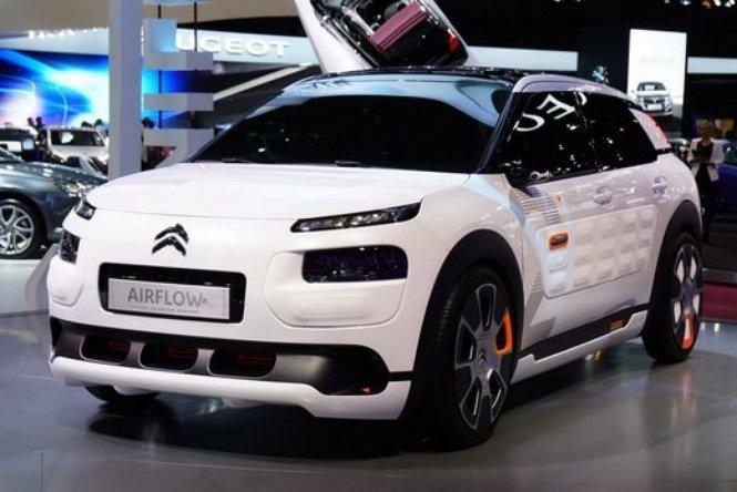 Un'ampia gallery di auto ecologiche al Salone di Parigi 2014