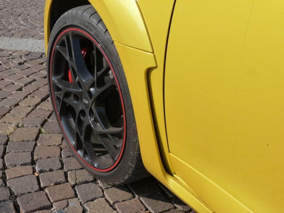Renault Megane Coupè RS 16V 265 CV prova su strada - Foto 1 di 24